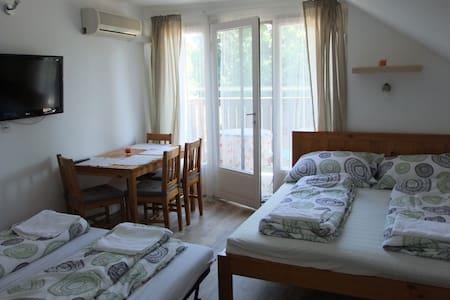 Schmidt Apartman