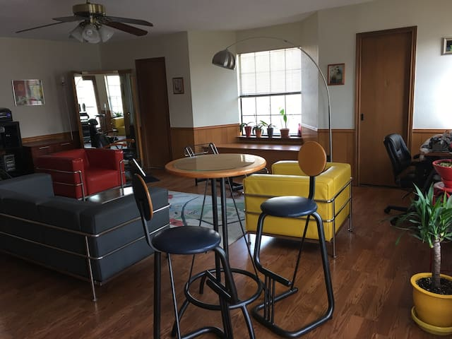Awesome Home BnB stylish n comfy! - Plano - Bed & Breakfast