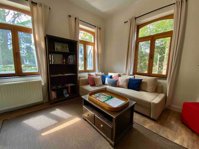 CASTLESIDE:Safe, Fully-equipped, Castle Guesthouse