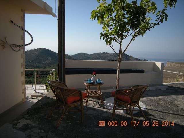 Forest breeze from the eagles nest!!! - Ierapetra - Casa