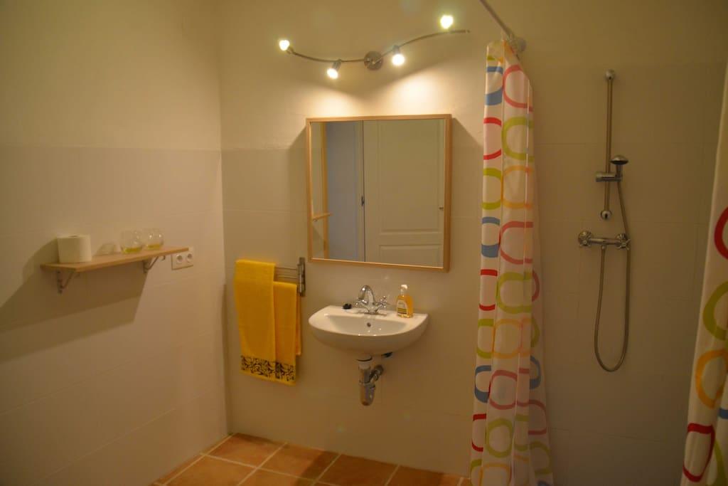 Baño habitación Galan