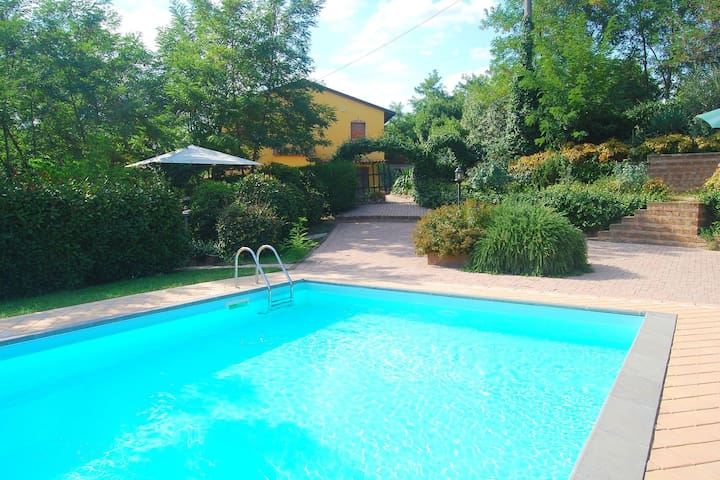 Charming holiday home between Florence and Pisa.