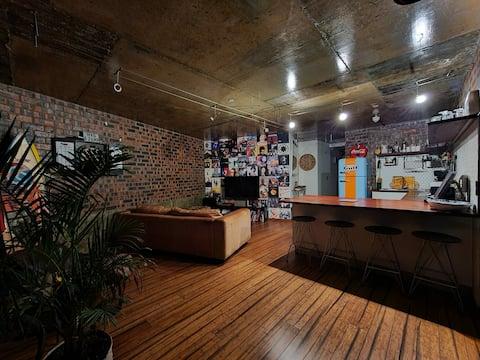 Trendy Loft Style Apartment (No Load-shedding)