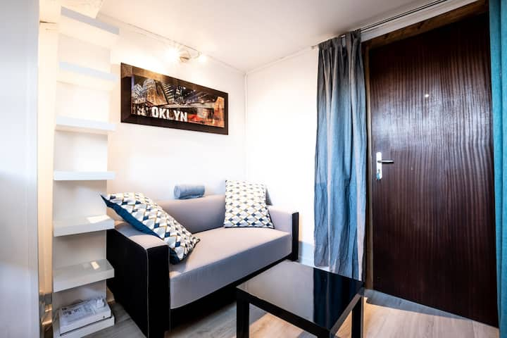 studio hyper town center 50m close to main place