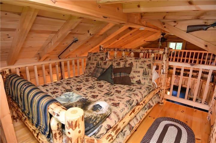 Loft Bedroom 1 with Queen sized bed