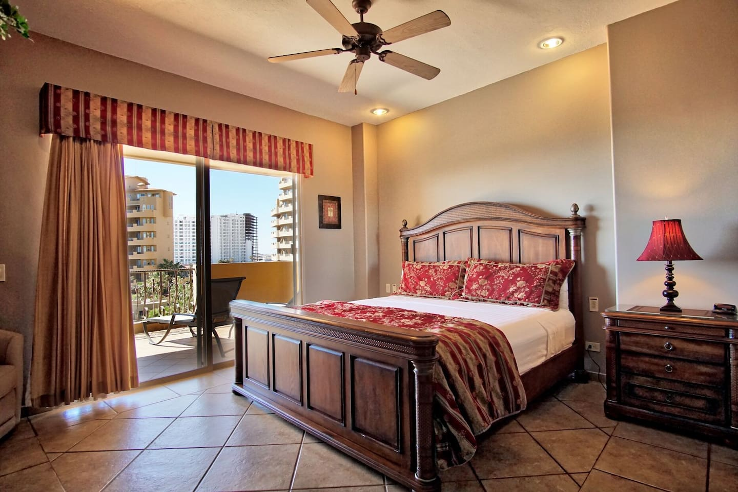 Comfy bedroom with great view at BB 303.