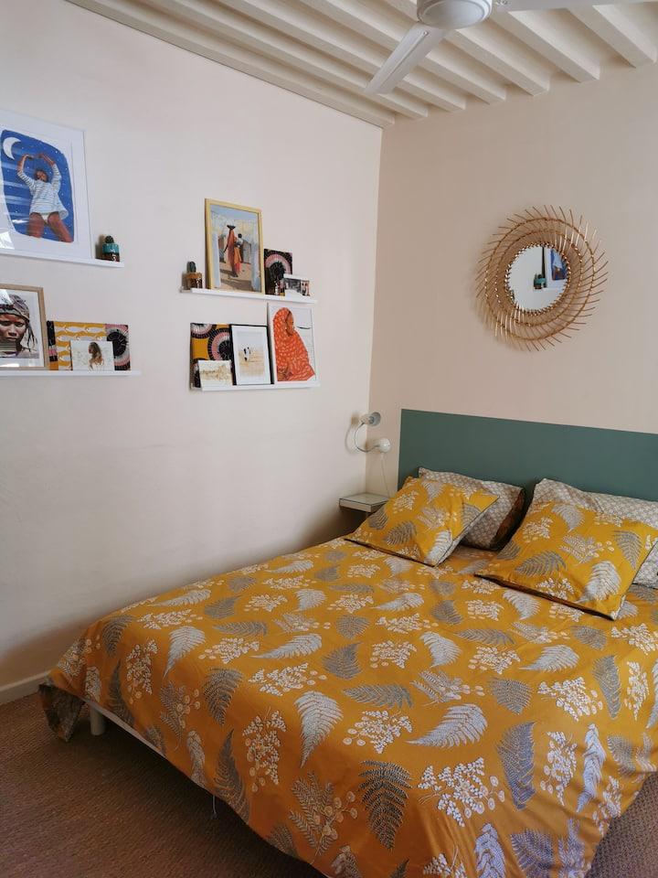 Chambre dans  maison de charme dans Aigues-Mortes