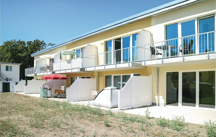 Holiday apartment with 1 bedroom on 47m² in Gelbensande