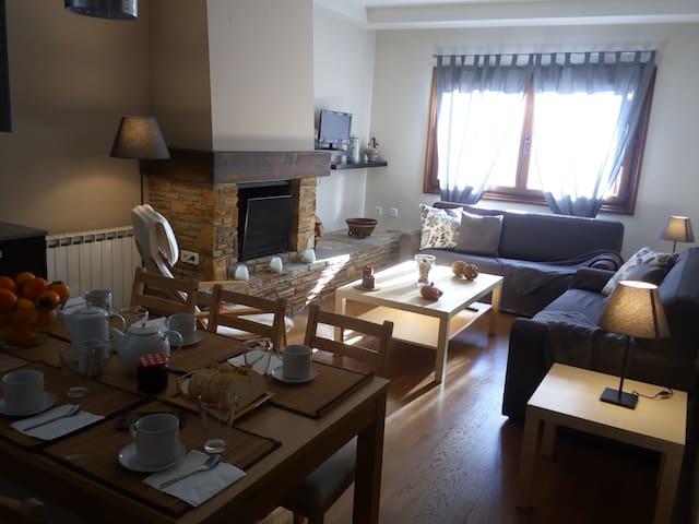 Casa Urbaniz. Lujo-Ski Formigal-Panti, Garage+Wifi
