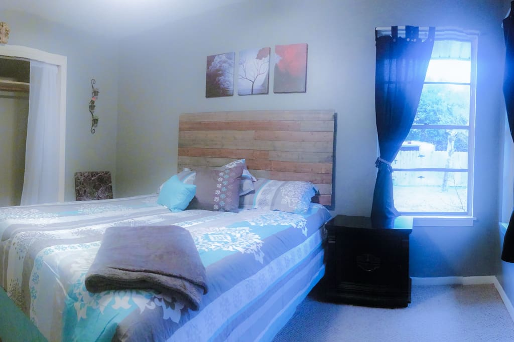 Bedroom with WIFI