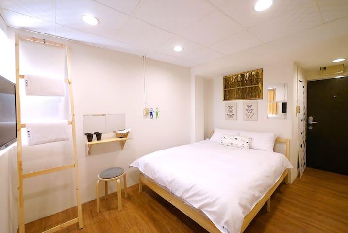 827 台中 逢甲 夏琳 Charlene 協奏曲雙人房 - Xitun District - Apartment