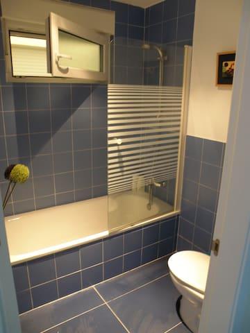 Baño Blueberry, planta baja