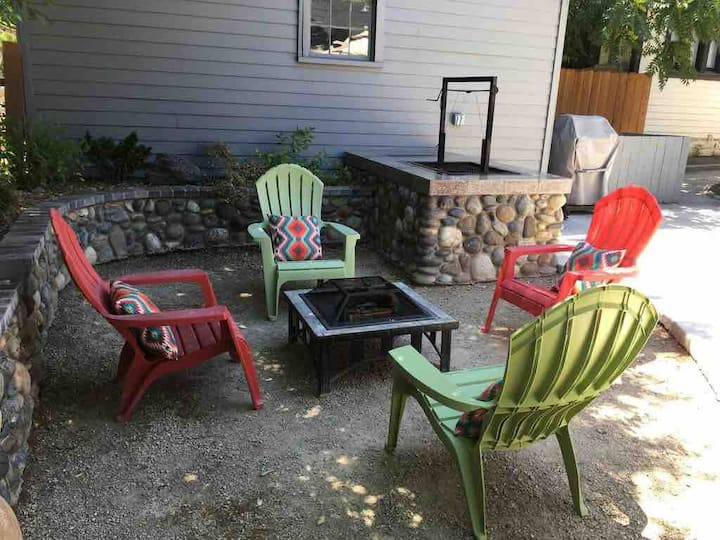 **10 minute walk from downtown!!!  Enjoy:)