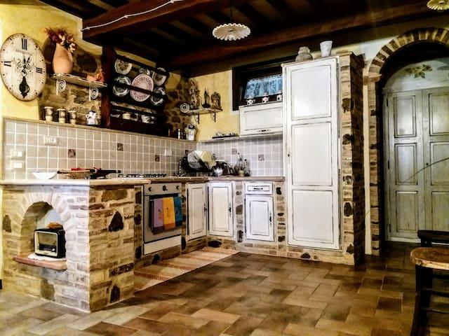Il Casale di Fiore - Grande appartamento in Umbria