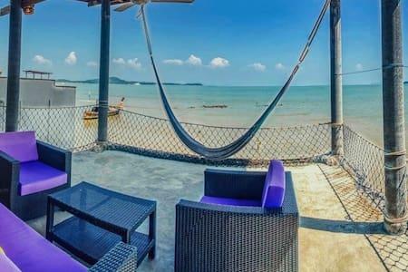 Over-the-sea-villa: Lychee House in Ko Lanta