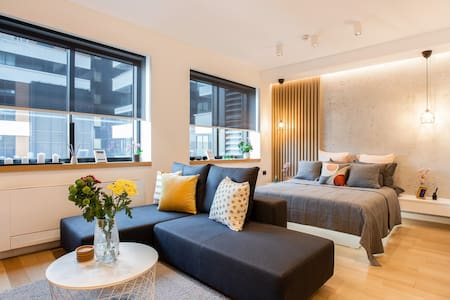Stylish  Lux Apartment LEO w/ free parking & WiFi