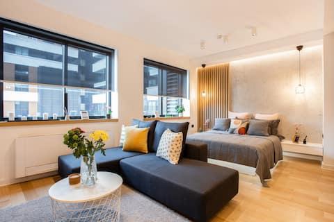 Stylish  Lux Apartment LEO w/ free parking & WiFi