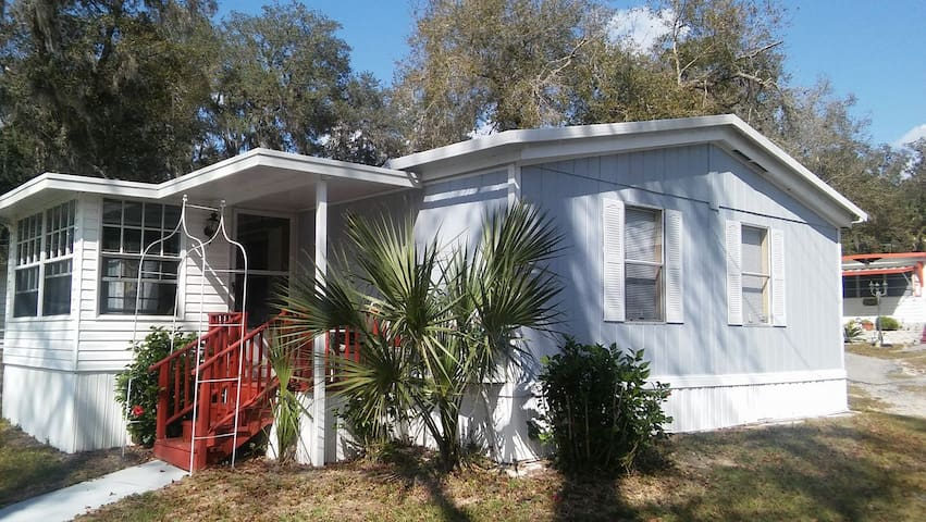 Private room & bath near Daytona - De Leon Springs