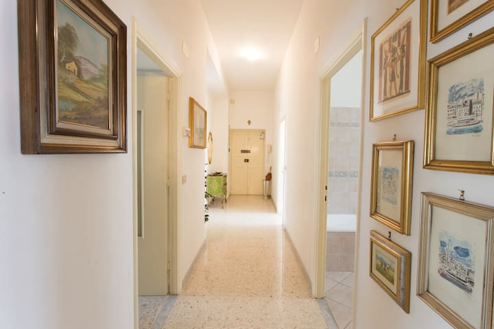 LARGE&COZY HOME- TIVOLI & ROME AREA - Castel Madama - House