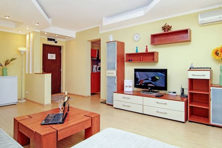 Grand Accommodation - Twin 3 Apart - Bukarest