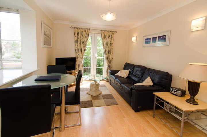 Cosy Apartment near Cheadle village