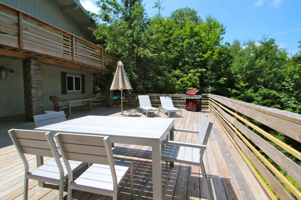 Grill year round on the huge outdoor deck with gas grill, seating area and best of all - mountain views!