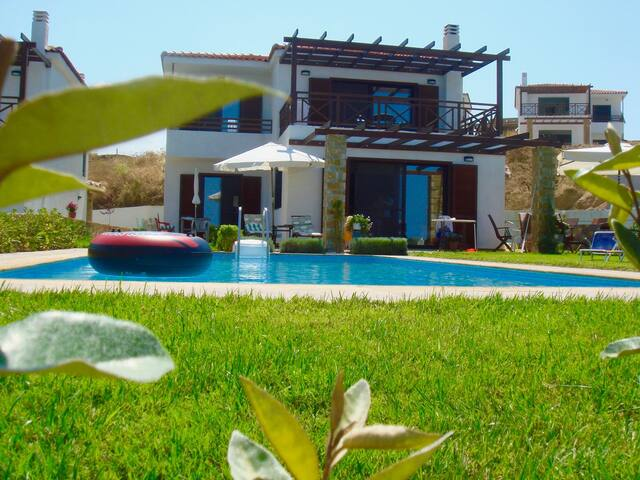 Villa with private swimming pool,garden & sea-view - Elani - House