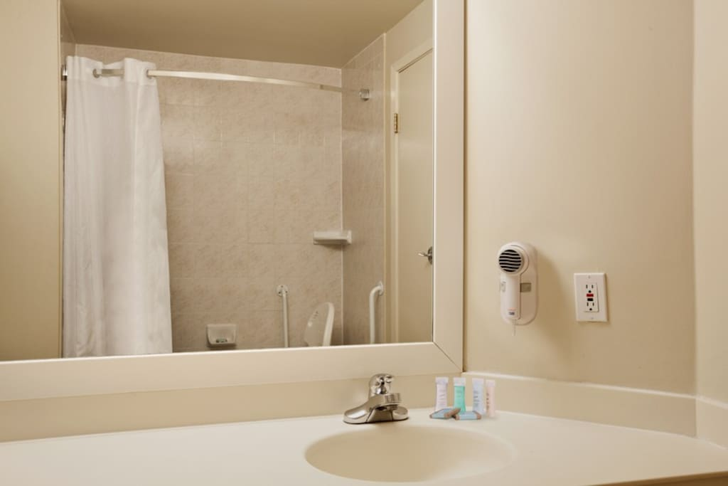 Full bathrooms complete with towels & amenities