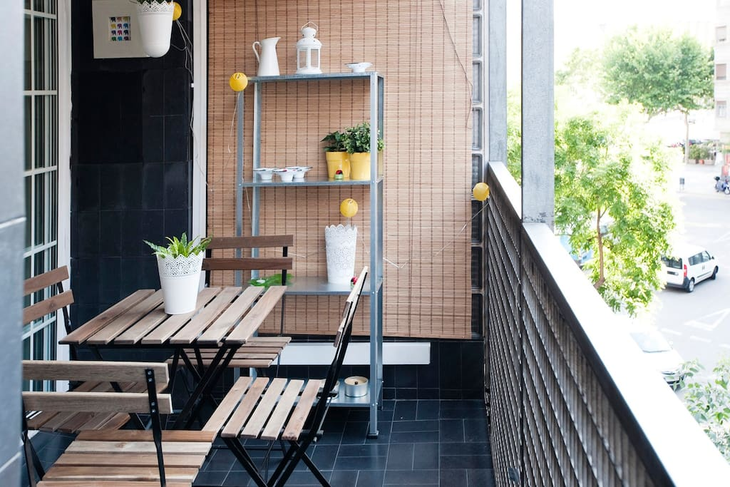 CUTE&CENTRIC FLAT WITH BALCONY-9pax