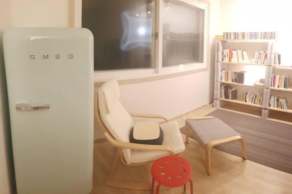 SMEG 냉장고 입니다.