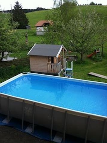 Pool im Sommer, a pool for sunny summer days