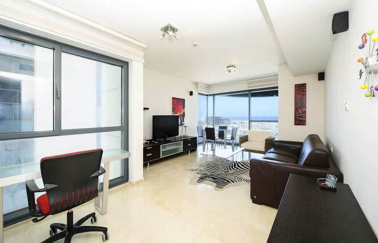 Luxury sea view suite above Marina - Herzliyya - Appartement