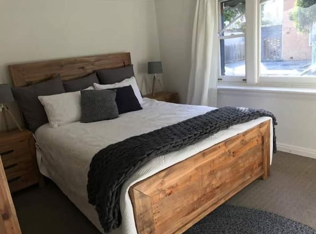 Large Double Room w/ Outdoor Courtyard in Windsor