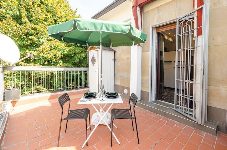 Ferravilla terrace apartment,a 2 passi dalla fiera