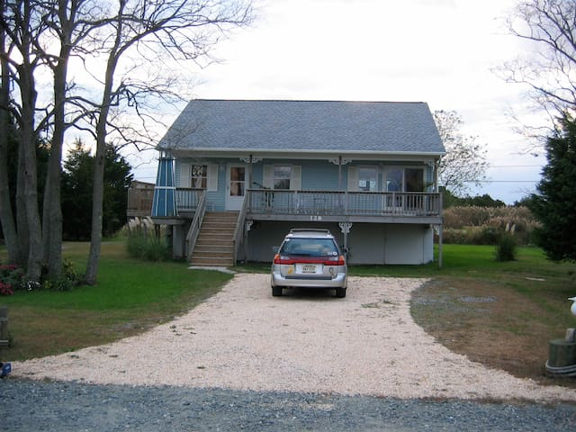 Cottage on Delightful Delaware Bay - Milford - House