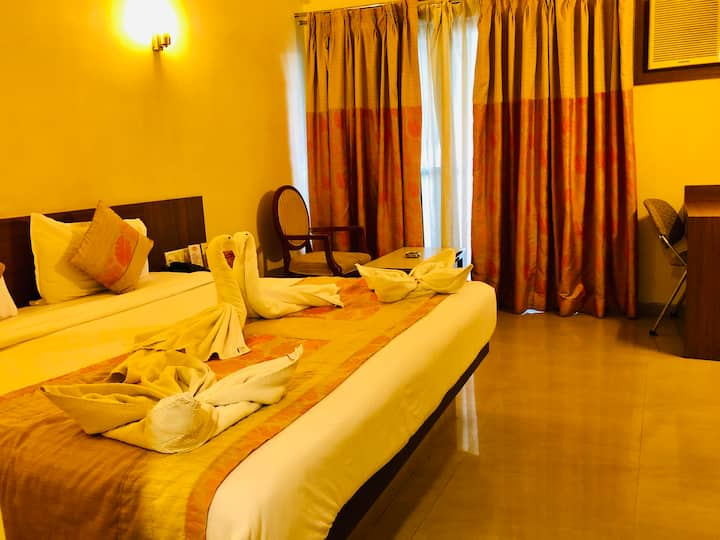 Super Deluxe Room Near Daman Ganga River
