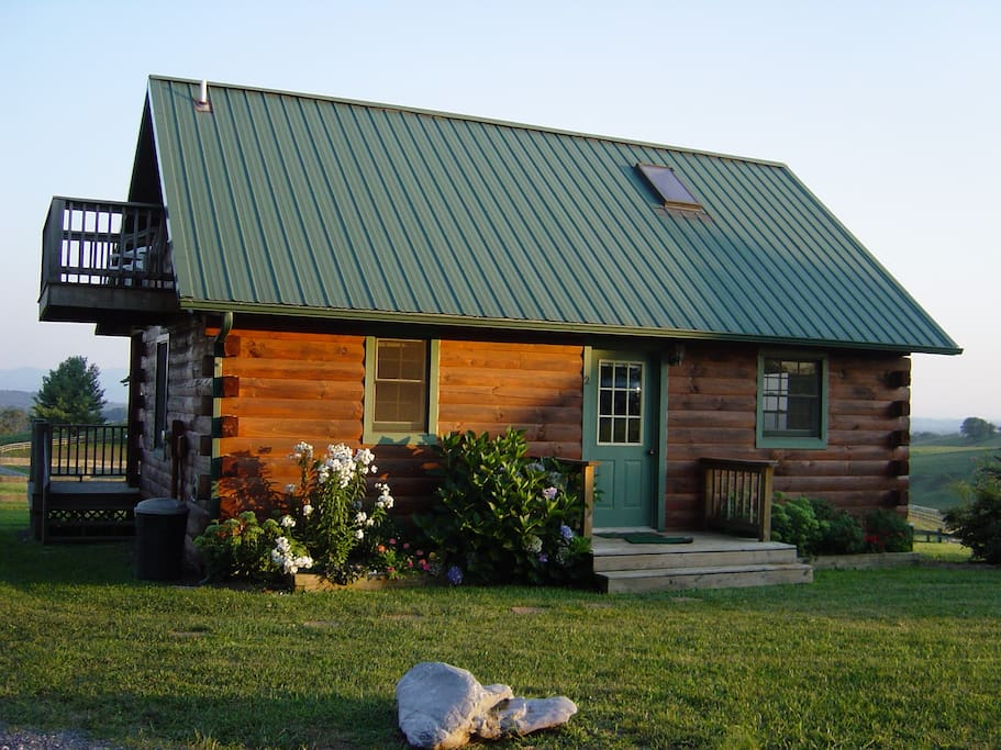 Cozy log cabins on picturesque farm cottages for rent in for Cabins in lexington va