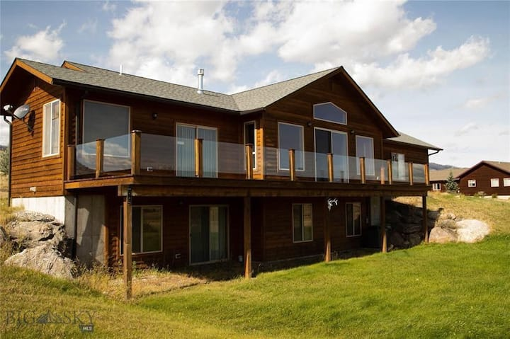 Villa Hygge, Luxury 4 bed/ 3 bath, 30 min to YNP