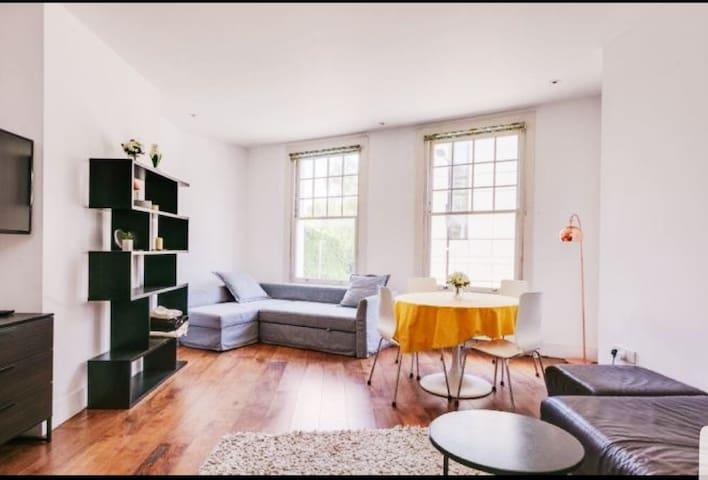 Prime Parsons Green  Designer appartment.