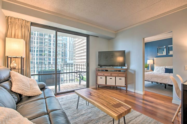 NEW! Upscale Downtown Honolulu Condo w/ Balcony!