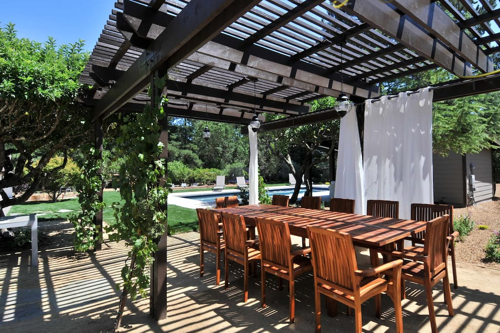 Have dinner or lunch under grapevines. Quiet and private...