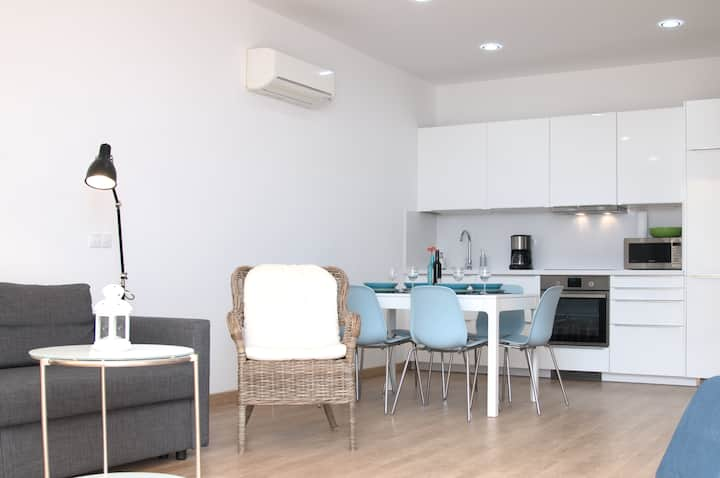 Large apartment with sea view, wifi and A/C – 1