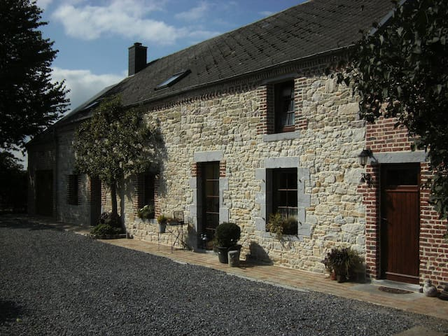 B&B Aux Gaietés de la Sabotière - Momignies - Bed & Breakfast