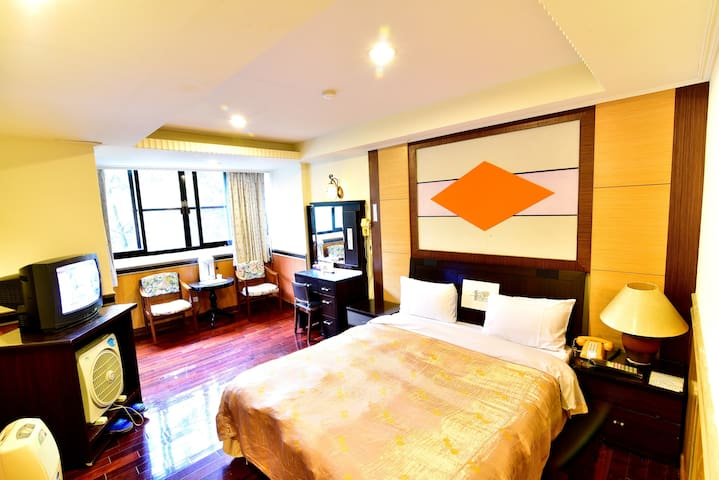 Lusan Hotspring 1-person room, close to  Cingjing - Ren'ai Township - Hostal