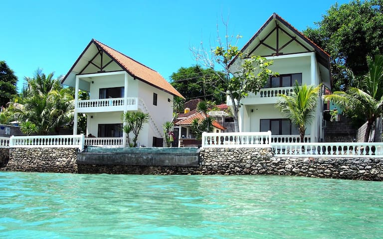 -4 BR Private villa with seaview in Nusa Ceningan