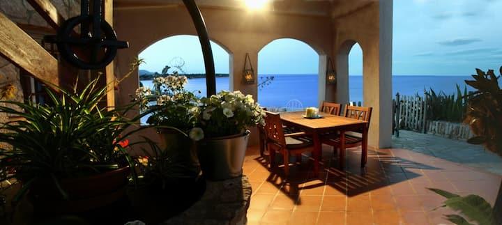 apartment over the sea (Es Baluard)