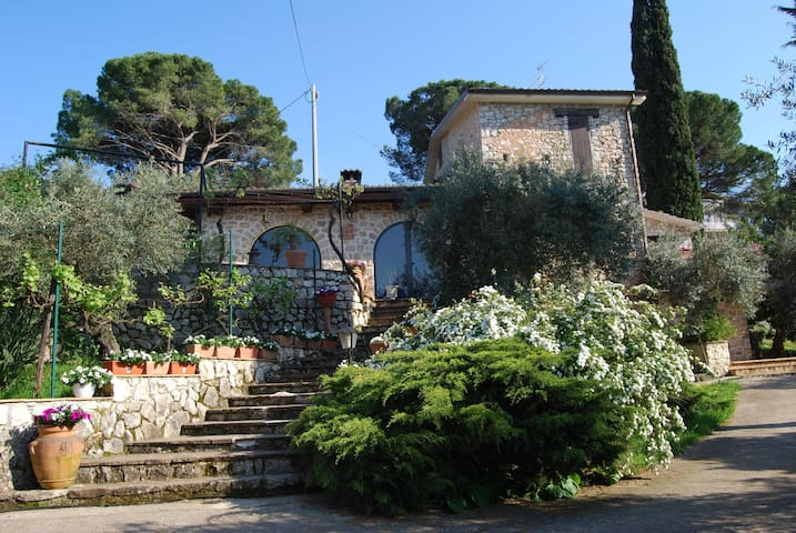 b&b charming country house,Sonnino