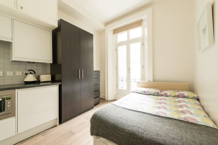 Brand new studio in Victoria (8) - Londres - Appartement