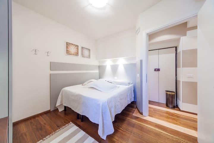 La stanza e il suo ingresso esclusivo