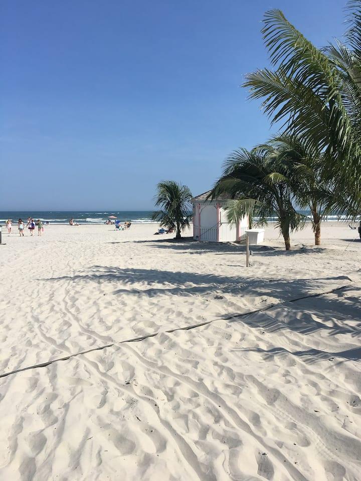 Summer Shore Memories in Beautiful Diamond Beach